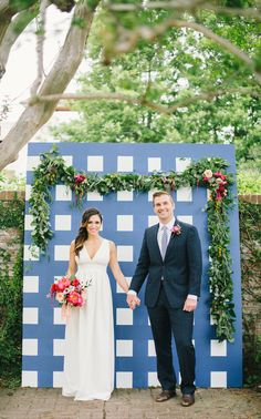 Blue and White Wedding Ideas - gingham-inspired-preppy-wedding-decor-ideas14