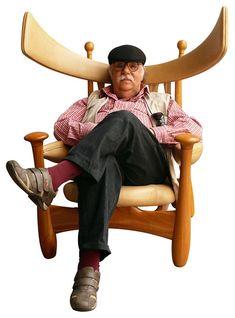 Brazilian designer Sergio Rodrigues dies at 86. See his work again at  http://tempodadelicadeza.com.br/2014/07/08/sergio-rodrigues-icone-do-design-brasileiro/