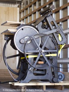 Check out Creative Brain Buzz's new C Letterpress. Letterpress Machine, Letterpress Printing, Printing Press, Screen Printing, Letter Press, Simple Machines, Custom Wedding Invitations, Inventions, Woods