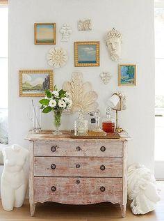 8 Artful Ideas for Gallery Wall Arrangements