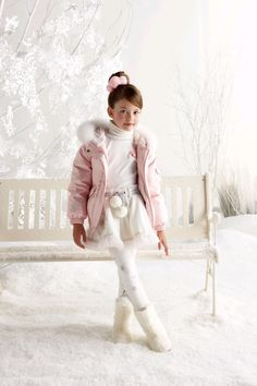 Mackenzie Foy - Adorable PHOTOSHOOT! + She's Now Listed As Renesmee on IMDB - TwiFans-Twilight Saga books and Movie Fansite