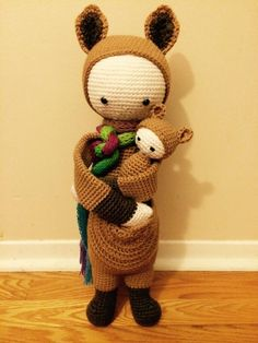 KIRA the kangaroo made by Shelley B.-P. / crochet pattern by lalylala