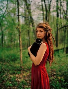 I love this girls style and dreads. She has the most beautiful dread photos<3