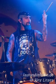 The Winery Dogs @ Matrix, Bochum, 11.07.2014  Mike Portnoy, my man .. loving me some Winery Dogs!