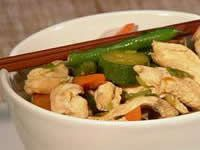 Cut chicken into strips. Prepare vegetables as described above. In a large frypan or wok (which has a lid) . Honey Soy Chicken, Diabetic Friendly, Kung Pao Chicken, Wok, Squash, Green Beans, Zucchini, Dinner Ideas, Chicken Recipes