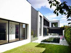 Kew House by Amber Hope Design #pin_it #architeture #arquitetura @mundodascasas www.mundodascasas.com.br