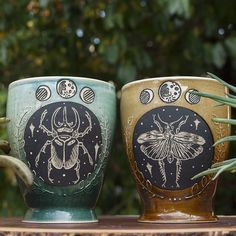 These bug mugs went on a journey from one Springfield to another, and I'm so pleased with how they turned out 🌙 Couldn't be happier knowing they went to such a creative and wonderful home! Thank you for trusting me to create this special gift 🖤 . Ceramic Pottery, Ceramic Art, Ceramic Cups, Cute Mugs, Special Gifts, Coffee Cups, Cool Stuff, Stuff To Buy, Tea Pots