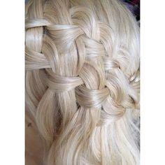 Details eines doppelten Wasserfallzopfes Ich freue mich drauf, ihn morgen bei Melanies Hochzeit flechten zu dürfen #braidsbraidsbraids #waterfallbraid #wasserfallzopf #geflochten #braided #blonde #boho #bohochic #bohobride #bridetobe #bridalhair #bridalstyling #bridalmakeup #brautstyling #berlin #hochzeit #braut #doublewaterfallbraid #braids #weddinghair #bridesmaidshair #hairinspiration #weddinginspiration #hairinspo #slmakeupandhair Braided Hairstyles Tutorials, Updos, Berlin, Braids, Long Hair Styles, Photo And Video, Boho, Makeup, Beauty