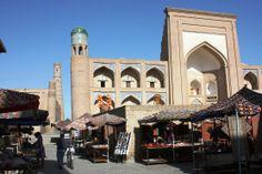 #Uzbekistan - Souvenir stalls on the touristic doorstep - #Khiva