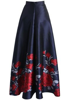 Who says a party dress is the only garment that can steal a show? Slip into this attention-grabbing printed maxi skirt. Its long length make it appropriate for winter but the fabric and peony print make sure it's as great a party look as any summer dress.  - Peony print - Lined - Concealed back zip closure - 100% Polyester - Machine washable  Size(cm)Length  Waist XS      111    64 S       111    68 M       111    72 L       111    76 XL     …