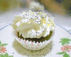 cupcake chocolat noir et mascarpone chocolat blanc Cupcakes, Desserts, White Chocolate, Food, Black People, Recipe, Kitchens, Drinks, Tailgate Desserts