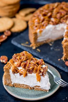 ThisWinter Spiced Pecan Caramel Cheesecake is an ideal dish for a celebration party table! It's also make ahead, no bake and gluten free!