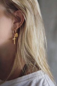 Moon earring gold