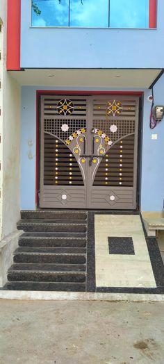 Iron Main Gate Design, Gate Wall Design, House Main Gates Design, Main Entrance Door Design, Steel Gate Design, Front Gate Design, Home Window Grill Design, Grill Gate Design, Balcony Grill Design