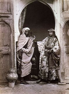 1870-1879 Fred Hardy artistes-chanteurs berbères, tanger épreuve à l'albumine, google search