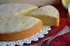 LA FAMOSA TORTA AL LIMONE DI MRS PETTIGREW deve risultare molto morbida e avere un intenso gusto di limone,