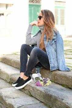 denim jacket. Jeans. Sneakers.