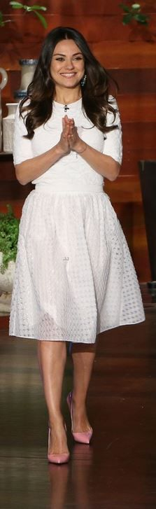 Mila Kuni's white top, lace skirt, and pink pumps style fashion id