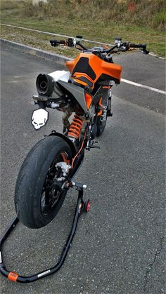 Ktm Cafe Racer, Cafe Racer Motorcycle, Moto Bike, Motorcycle Design, Bike Design, Ktm Motorcycles, Yamaha Bikes, Ktm Parts, Ktm 450 Exc