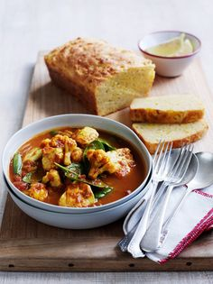 Fish Curry with Corn Bread -Who says that comfort food can't be healthy? You can serve with basmati rice instead of corn bread. Heart Healthy Recipes, Healthy Heart, Health Recipes, Recipes Using Fish, Fish Curry, Corn Bread, Fish And Seafood, Recipe Using, Meals