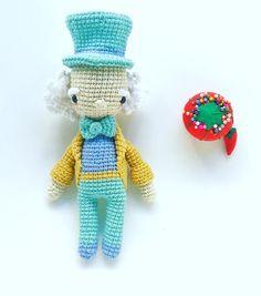 Mad Hatter ☕️ #amigurumi #crochet #crochetaddict #ganchillo #uncinetto #movie…