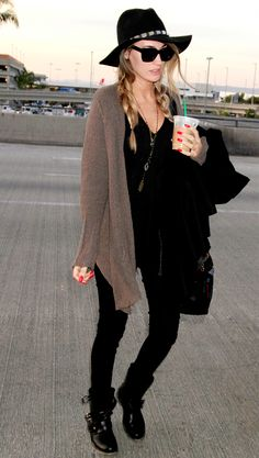 Black look, brown cardigan, boots, hat, airport style