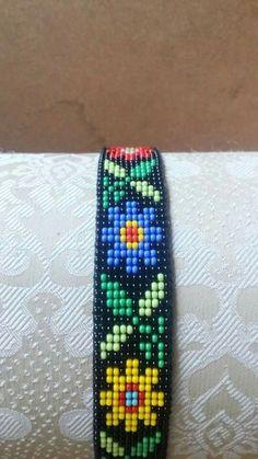 Loom Bracelet Patterns, Bead Loom Bracelets, Bead Loom Patterns, Beaded Jewelry Patterns, Daisy Bracelet, Diy Crafts Jewelry, Tear, Beaded Choker Necklace, Loom Weaving