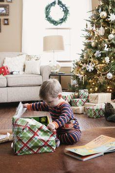 CHRISTMAS MORNING » Kelly Hicks