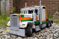 Kenworth MOC with instructions Lego Structures, Lego Truck, Lego Vehicles, Lego Construction, Lego Moc, Super Cars, Automobile, Scale, Trucks