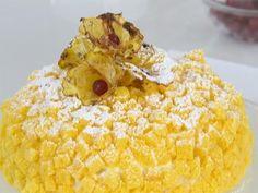 A lezione di pasticceria con Luca Montersino: scopriamo come si prepara un grande classico, la torta mimosa, ma nella variante all'ananas