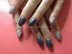 Acrylic nails with grey gel polish