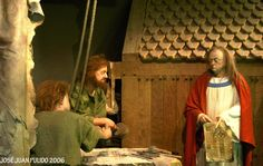 Museo de Glendalough. Un fraile da instrucciones a unos artesanos. Glendalough Museum A friar gives instructions to some craftsmen