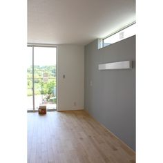 #InstaSize 寝室のクロスがついに貼られてたー^_^ 悩んで悩んで決めたクロス!!いい色だった^ ^ #クロス#アクセントクロス#リリカラ#マイホーム Muji Style, Minimal Bathroom, Interior Windows, Big Windows, House Painting, Home Renovation, Home And Living, Home Projects, Sweet Home