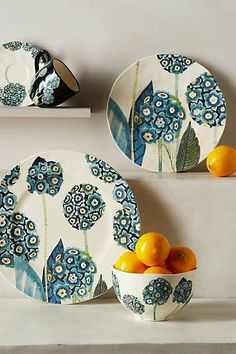 Garden Buzz Dinner Plate - anthropologiecom click now for more info.Garden Buzz Dinner Plate design and colors are lovely, perfect for dining in with familyGarden Buzz Dinnerware from anthropologieBy Michelle Moring exclusively for Anthropologie - 'G Painted Ceramic Plates, Ceramic Pottery, Decorative Plates, Pottery Painting, Ceramic Painting, Ceramic Art, Cerámica Ideas, Keramik Design, Plate Design