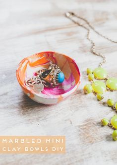 marbled-mini-bowls-diy, great way to use old fingernail polish!