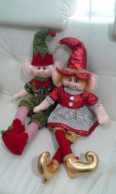 Christmas Stockings, Holiday Decor, Home Decor, Christmas Cushions, Christmas 2016, Elves, Holiday Ornaments, Christmas Crafts, Noel