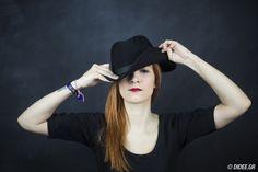 400 λέξεις της Σοφίας-Θεοδώρας Γιλτίζη Athens, Hats, Fashion, Moda, Hat, Fashion Styles, Fashion Illustrations, Athens Greece, Hipster Hat