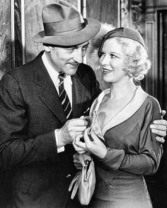 Warren William & Glenda Farrell - The Match King Golden Age Of Hollywood, Classic Hollywood, Old Hollywood, Glenda Farrell, Pre Code, Classic Movie Stars, Old Movies, Character Ideas, Awesome Things