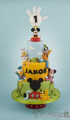 Mickey Mouse Clubhouse Cake. Maybe make the center layer pink instead?