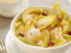 Chicoréesalat mit Avocado und Hähnchen ist ein Rezept mit frischen Zutaten aus der Kategorie Hähnchen. Probieren Sie dieses und weitere Rezepte von EAT SMARTER!