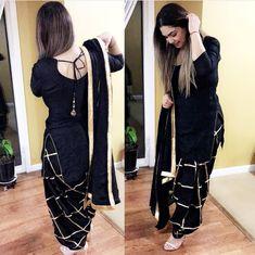Patiala Suit Designs, Kurta Designs Women, Kurti Designs Party Wear, Salwar Designs, Punjabi Fashion, Pakistani Fashion Casual, Indian Fashion, New Designer Dresses, Indian Designer Suits