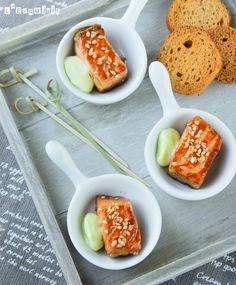 salmón con dip de wasabi