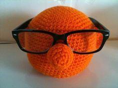 Brillenhouder haken - Breiclub.nl Crochet Gifts, Free Crochet, Knit Crochet, Eyeglass Holder, Little Monsters, Free Pattern, Diy And Crafts, Crochet Patterns, Weaving