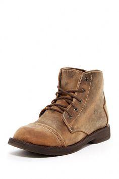 a5c3f2e95314 61 Best Men s Footwear images