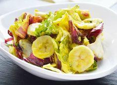 Das Rezept zum südafrikanischen Bananensalat mit Curry ist leicht umzusetzen und entweder als Beilage oder Vorspeise zu servieren.