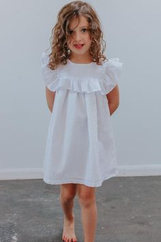 Must Have Amazing Kids Summer Outfits Ideas That You Will Totally Love Girls White Dress, Cute Girl Dresses, Little Girl Dresses, White Ruffle Dress, Kids Summer Dresses, Girls Summer Outfits, Kids Outfits, Girls Fashion Clothes, Baby Girl Fashion