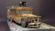 Zombie Apocalypse School Bus (56 PICS)  #scale #models #diorama