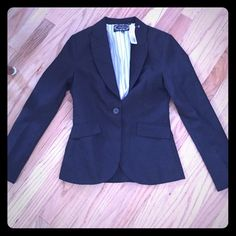 Career jacket Black button up professional top jacket. Brand new never worn size small Forever 21 Jackets & Coats Blazers