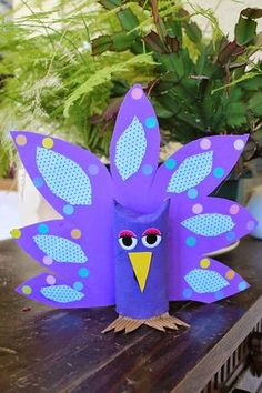 Bri-Coco de Lolo: Ein kleiner lila Vogel - My WordPress Website Paper Towel Roll Crafts, Toilet Paper Roll Crafts, Preschool Crafts, Easter Crafts, Christmas Crafts, Valentine Crafts, Animal Crafts For Kids, Diy Crafts For Kids, Rolled Paper Art