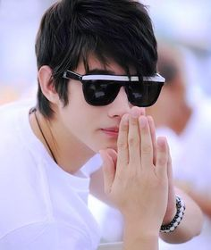 Mario Maurer is heartthrob of millions of girls. I have included Mario Maurer biography in this post. Mario Maurer pictures will surely melt your heart. Asian Actors, Korean Actors, Ivan Dorschner, Kiss Me Drama, One Love Movie, Stylish Watches For Girls, Decendants Of The Sun, Mario Maurer, Hair Cutting Techniques